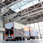 Typy naczep oraz przyczep do samochodów ciężarowych